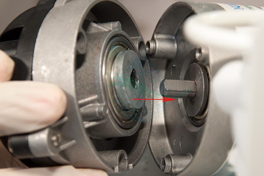 آموزش تعویض هد پمپ تصفیه آب خانگی How To Change The RO Water Purifier Booster Pump Head